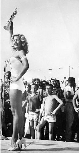 Hollywood 50s hot actress